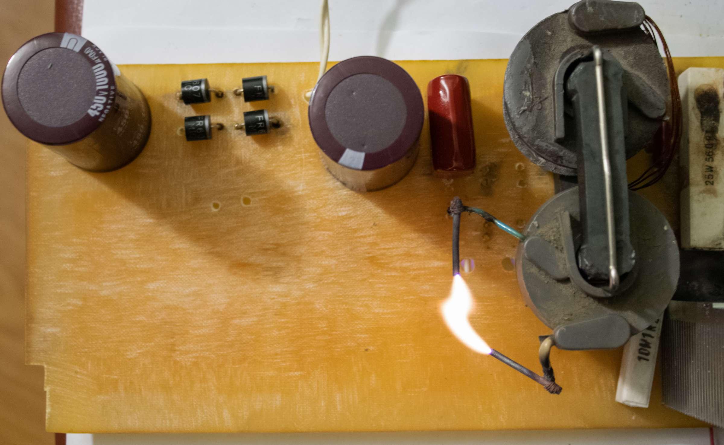 Ионофон на NE555 при проведении испытаний