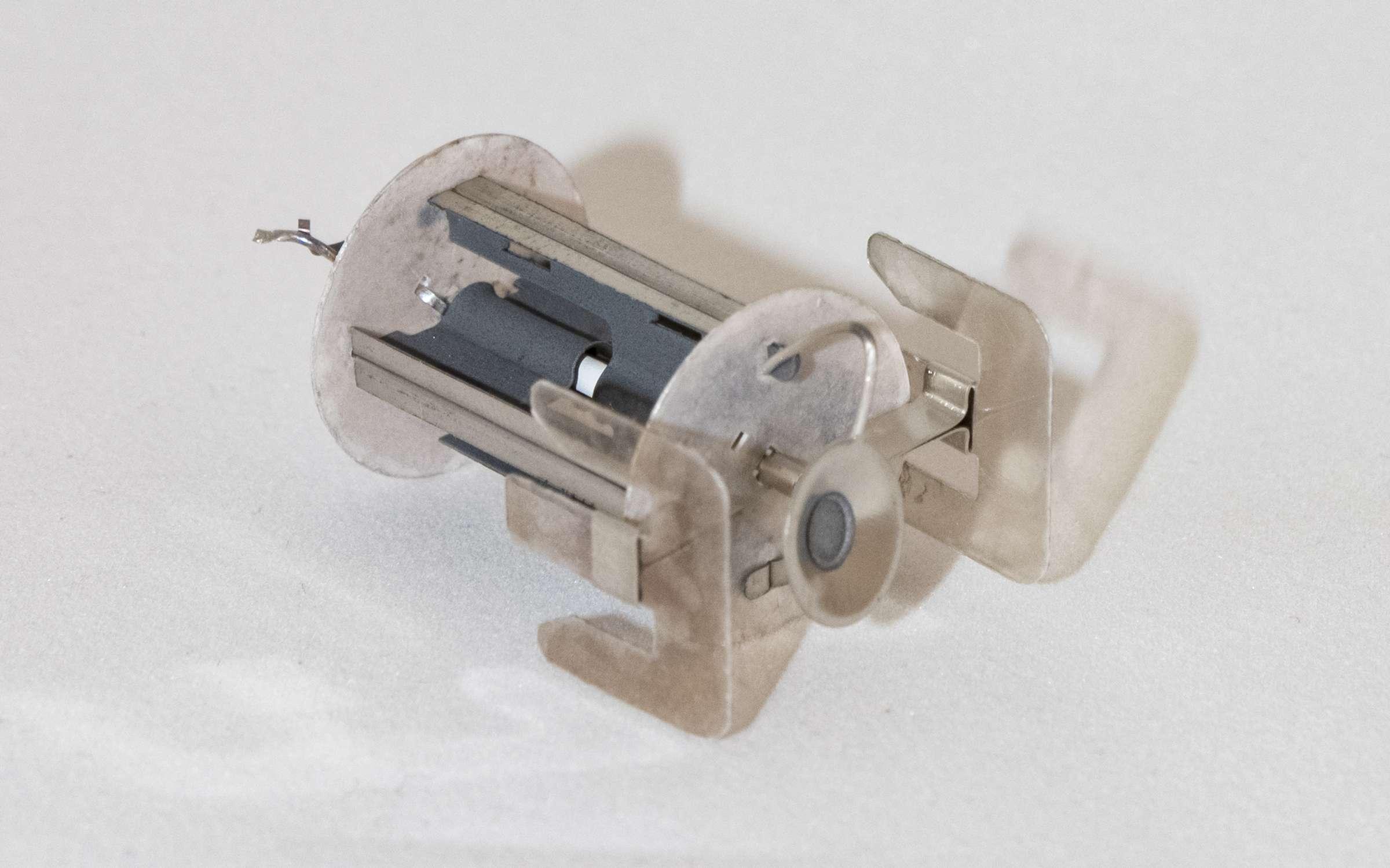Внутреннее устройство радиолампы 6Ц5С