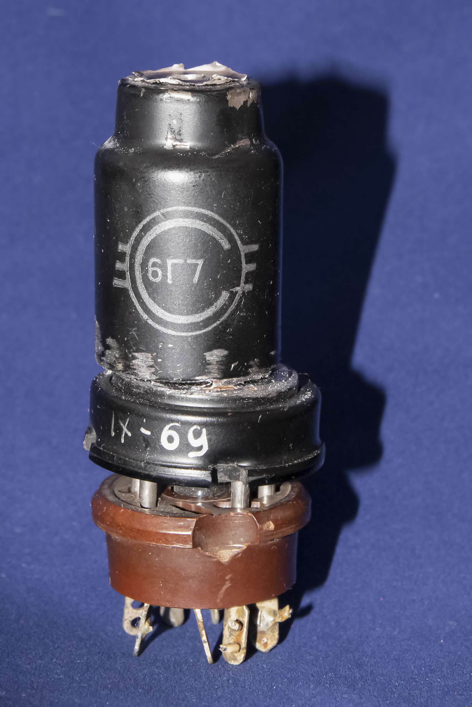 Внутреннее устройство радиолампы 6Г7