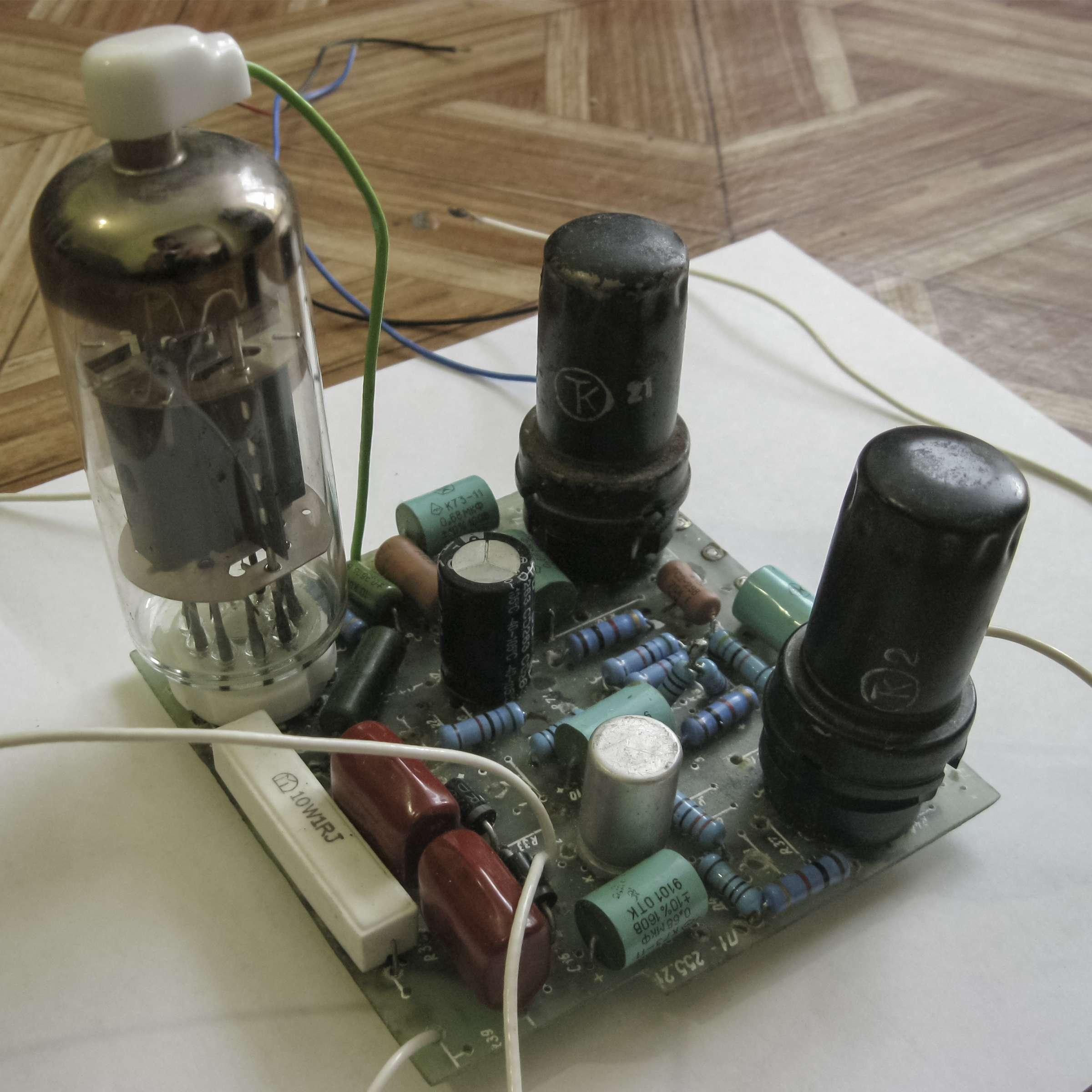 Усилитель 6А7+6Ж8+6П36С при проведении испытаний