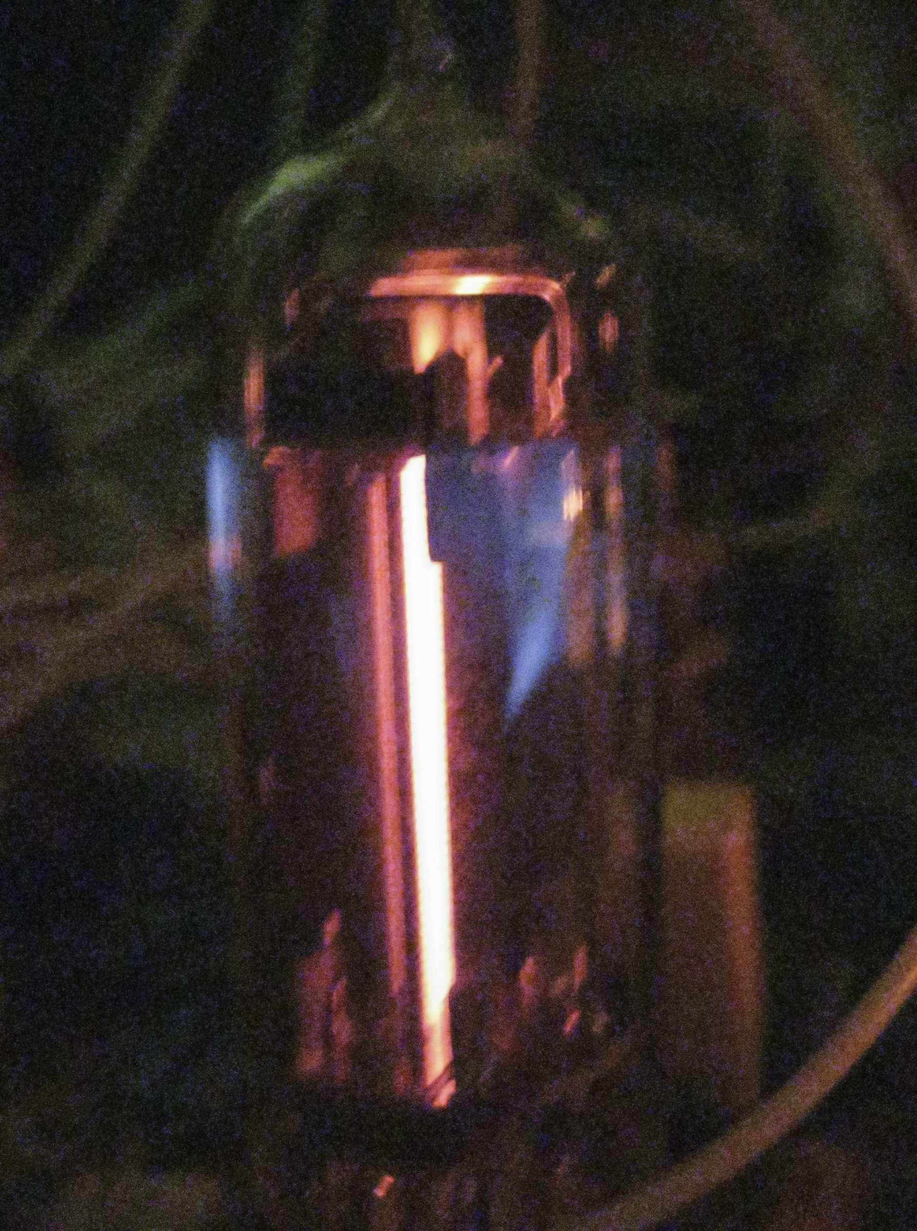 Свечение радиоламп 6С19П при проведении испытаний