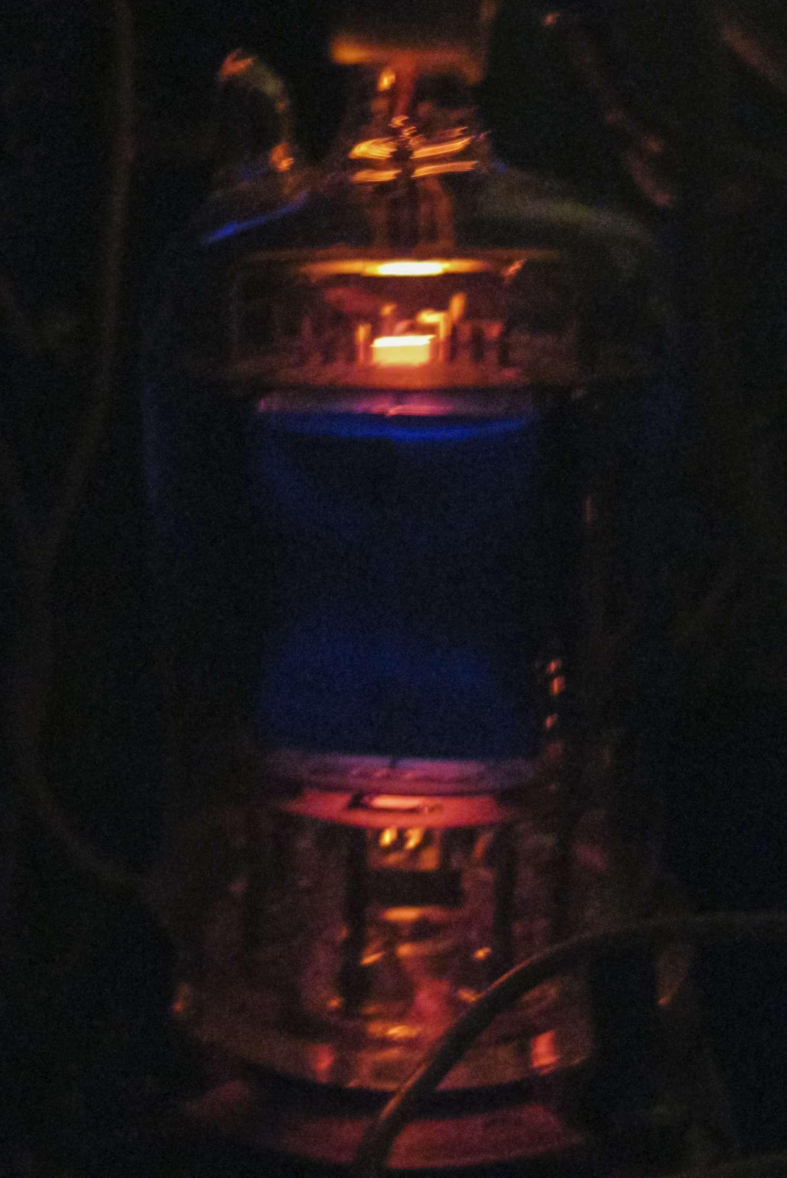 Свечение радиолампы ГМИ-6 при проведении испытаний