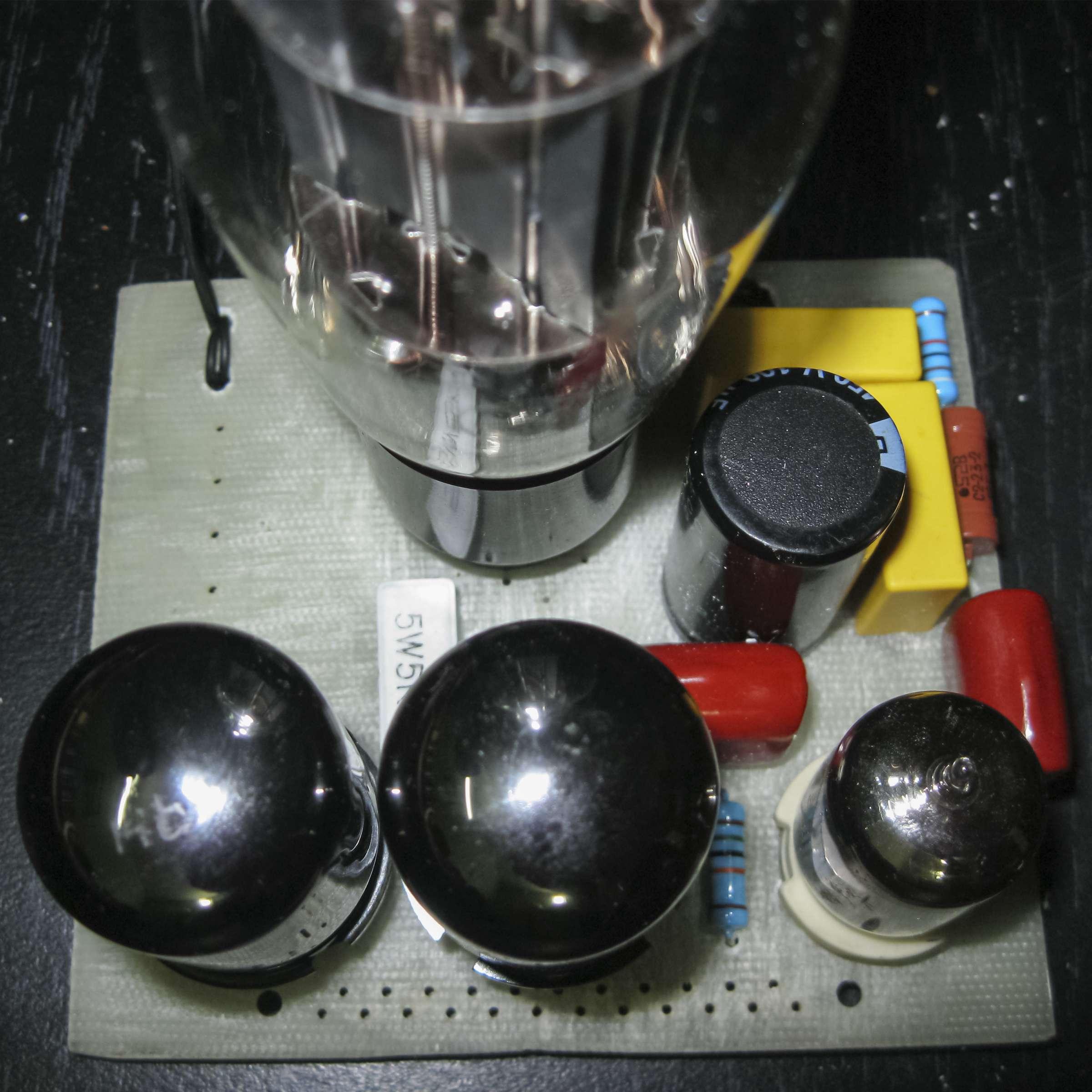 Фото макета стабилизатора напряжения
