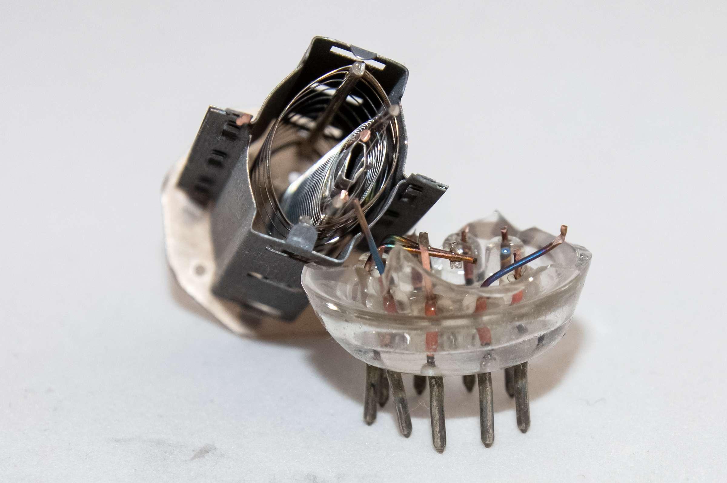 Внутреннее устройство радиолампы 6П14П