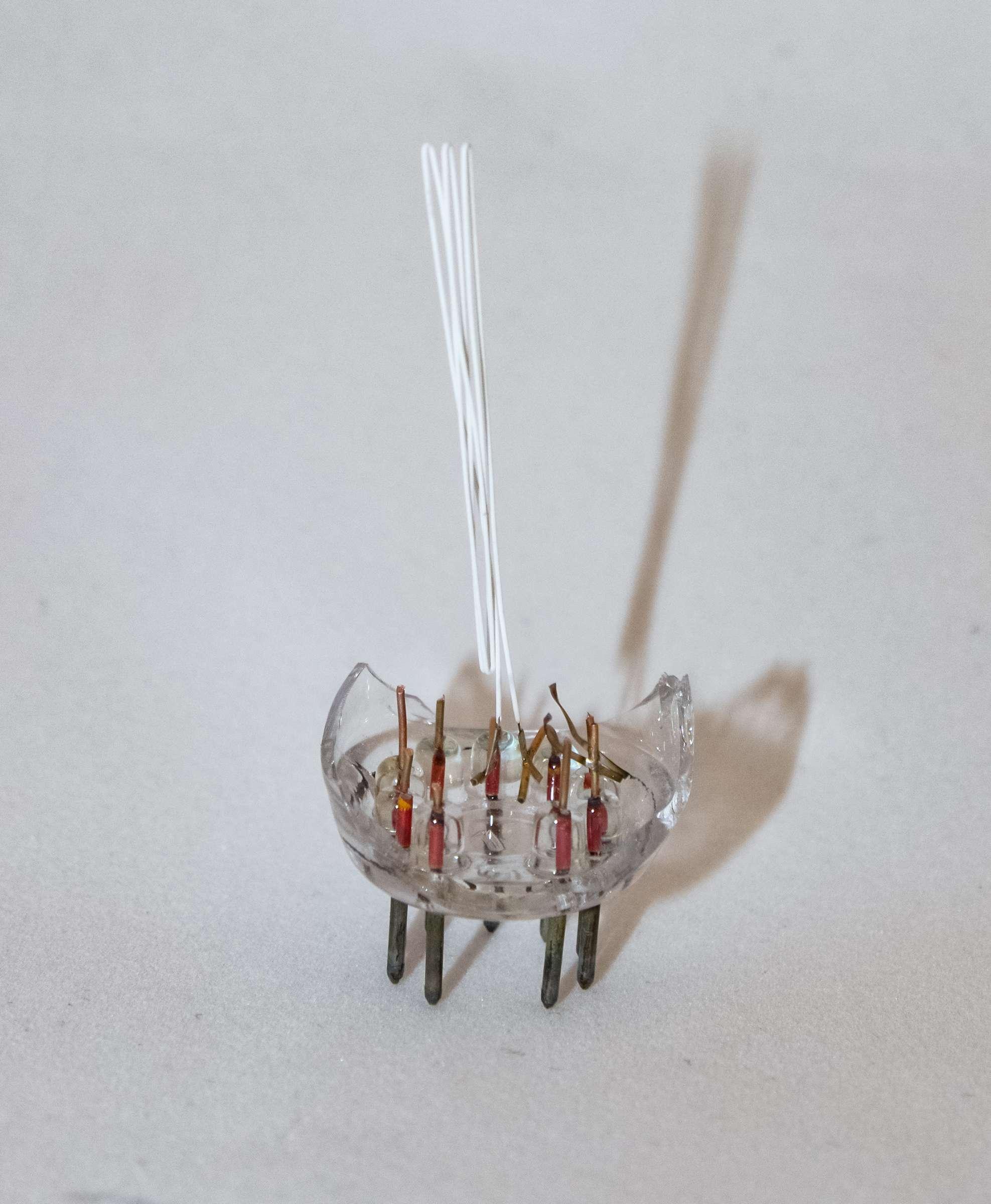 Внутреннее устройство радиолампы 6П18П