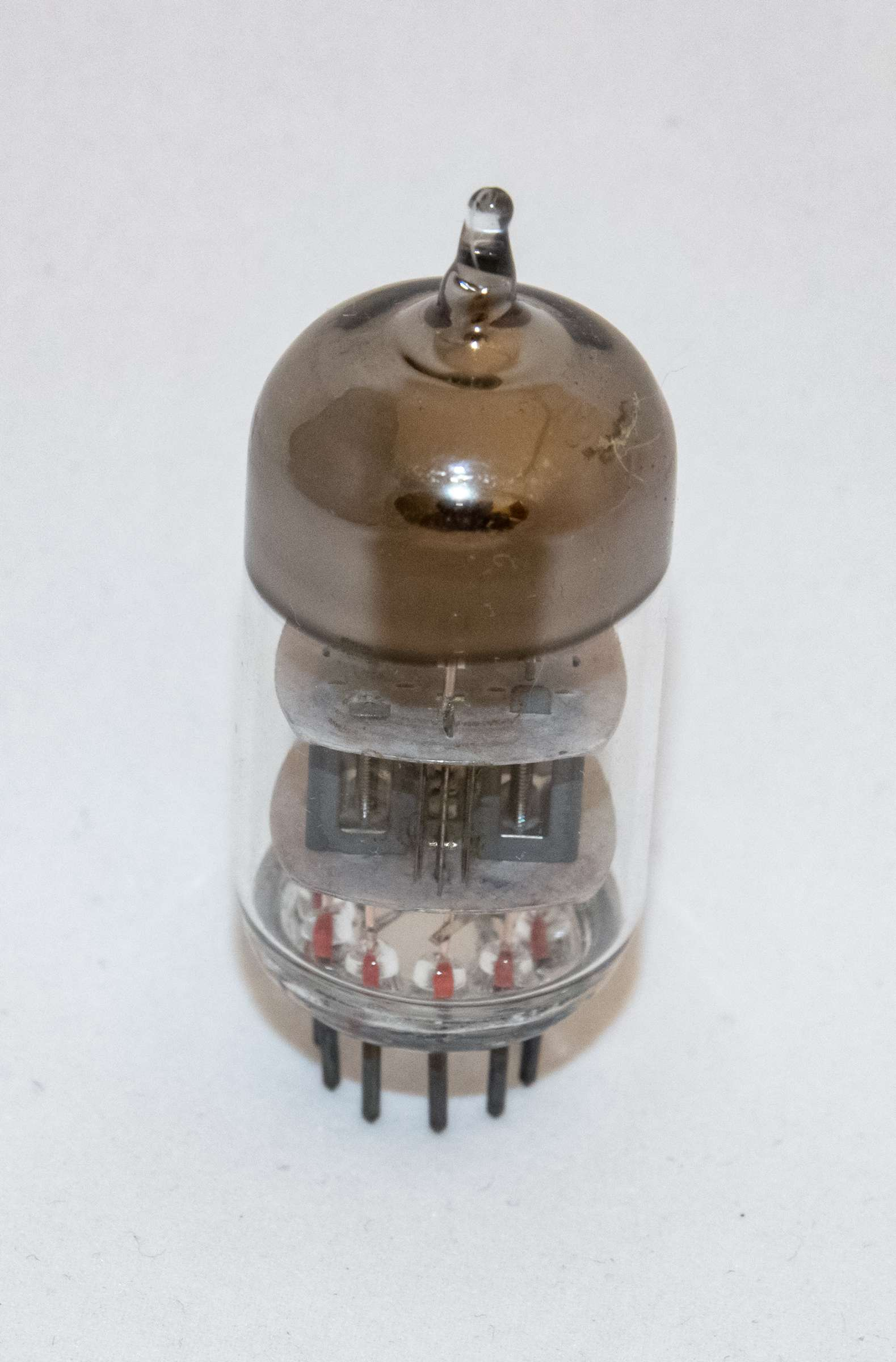 Внешний вид радиолампы 6Н2П