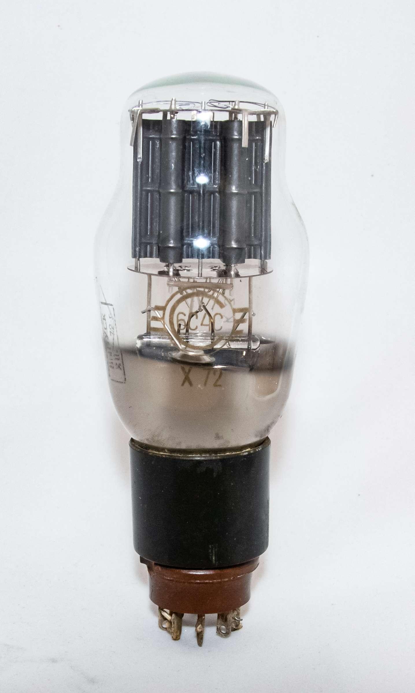 Внешний вид радиолампы 6С4С